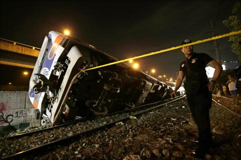 Vlak izletio s tračnica