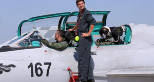 Eskadrila borbenih aviona na Plesu