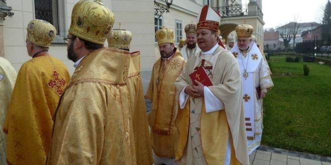 mons. Vjekoslav Huzjak i grkokatolici