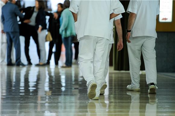 Klinika za tumore: Zaraženo 15 djelatnika, ponedjeljak bez operacija