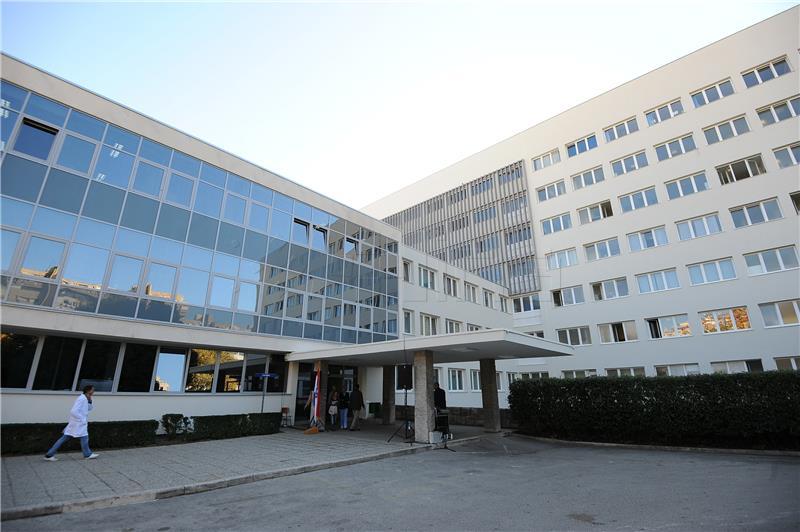 U splitskom KBC-u zabrinjavajući broj hospitaliziranih, čak njih 107 zaraženih koronavirusom