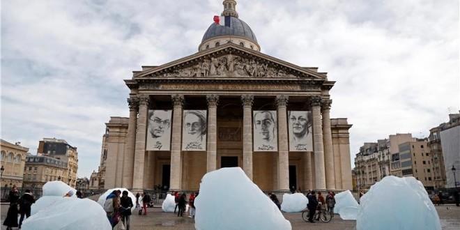 ledene gromade u parizu
