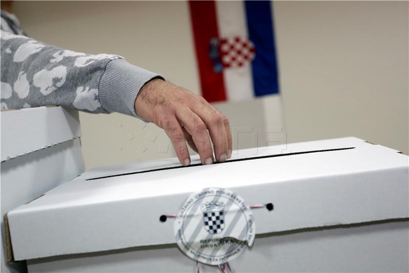 Novalja izabrala gradonačelnika u prvom krugu, Gradiška će ga birati u drugom krugu