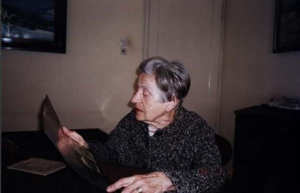 Lelja Dobronić (Zagreb, 19. travnja 1920. – Zagreb, 22. prosinca 2006.)