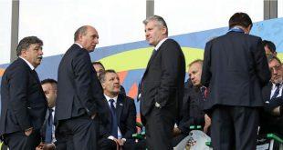 U sredini: Robert Markulin i Davor Šuker/fah