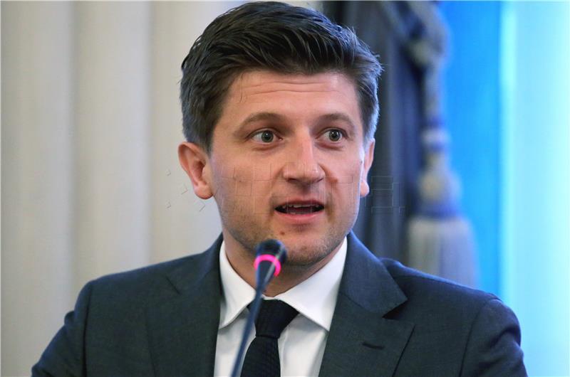 Zdravko Marić: Mirovine nisu upitne, a danas smo krenuli s poreznim mjerama