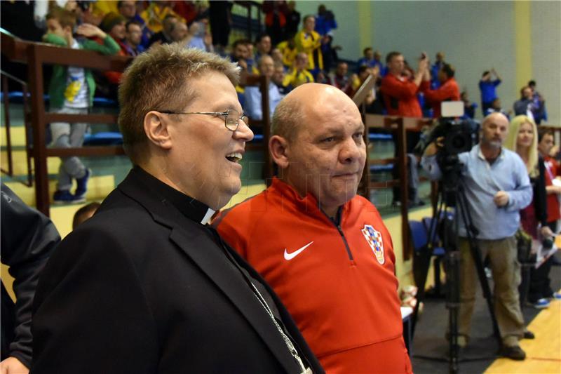 Nogometna reprezentacija hrvatskih svećenika treća na EP u malom nogometu