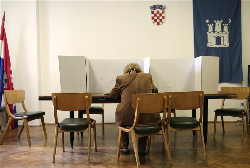 Ustavni stručnjaci: DIP neustavno i nesrazmjerno ograničava pravo na glasovanje