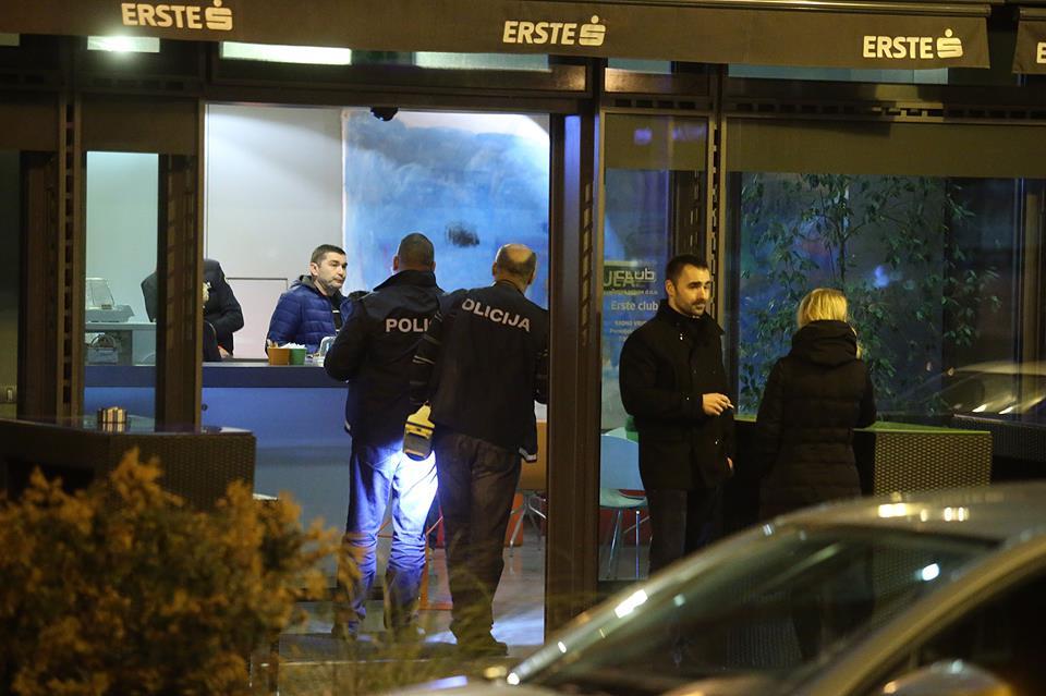 Naoružani razbojnici ispred banke oteli torbu s novcem