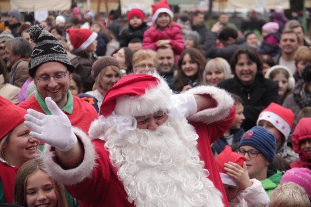 Djed Božićnjak u subotu dolazi na trg u Đurđevac