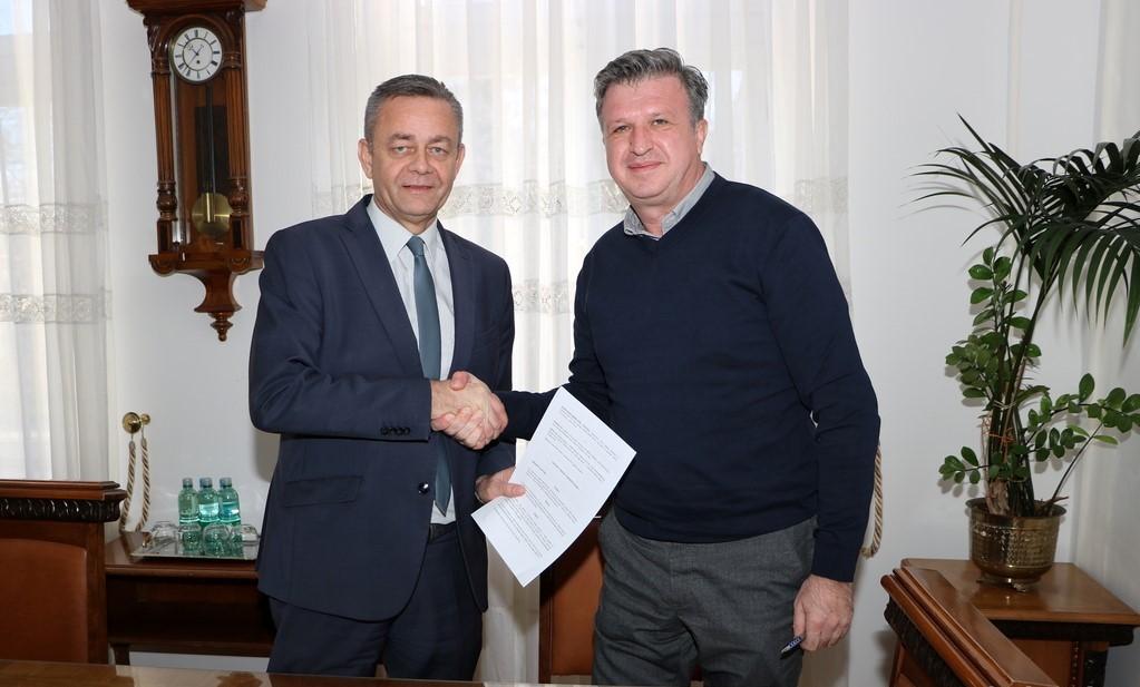 Potpisani ugovori o prodaji dionica trgovačkog društva Ceste d.d. Bjelovar