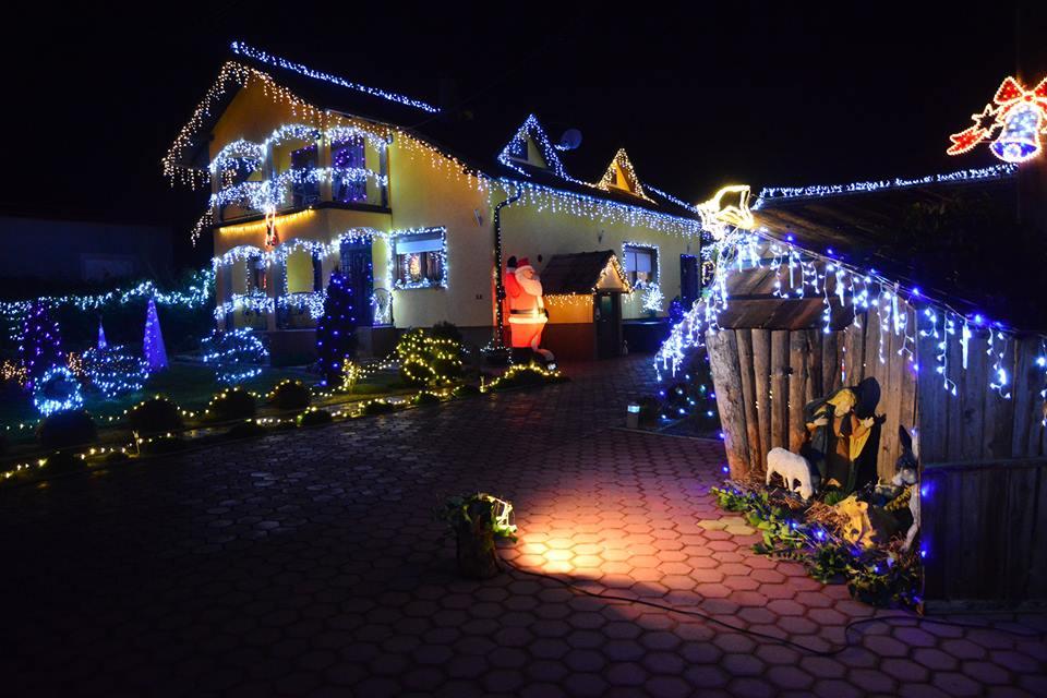 Imanje Ivana Dujaka osvijetljeno s više od 30 tisuća lampica