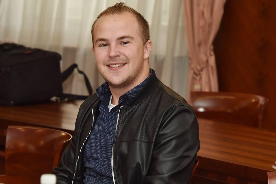 Najmlađi kninski vijećnik odrekao se naknade u korist sufinanciranja prijevoza učenika