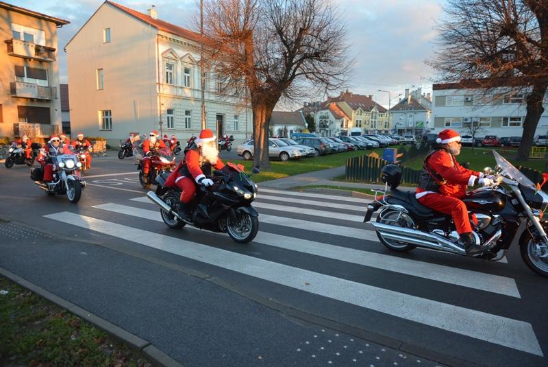 VIDEO/Bjelovar: Moto mrazovi uveseljavali sugrađane na gradskim ulicama