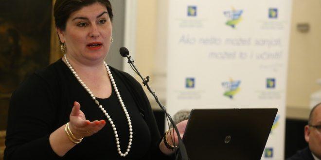 Gabrijela Žalac, dipl.oec., ministrica regionalnoga razvoja i fondova EU