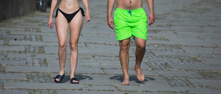 Goli goli ženci