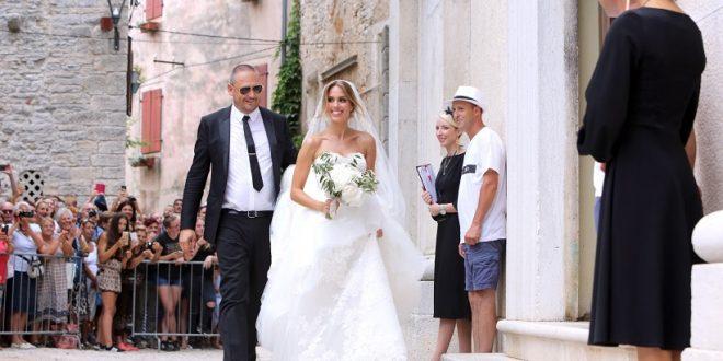 """VIDEO Franka i Vedran izašli iz crkve nakon vjenčanja i sudbonosnog """"Da"""""""