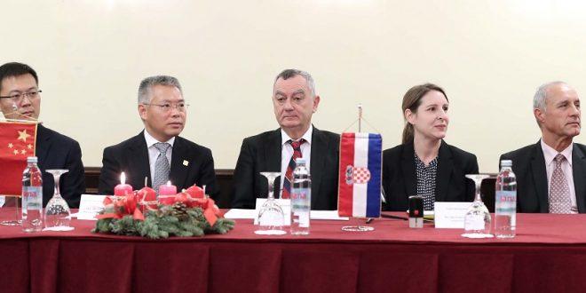 Zagreb: Hrvatski stolnoteniski savez potpisao povijesni ugovor s Veleposlanstvom Narodne Republike Kine