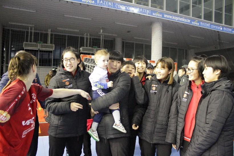 Kineski rukometaši i rukometašice na utakmici Podravka Vegete (5)