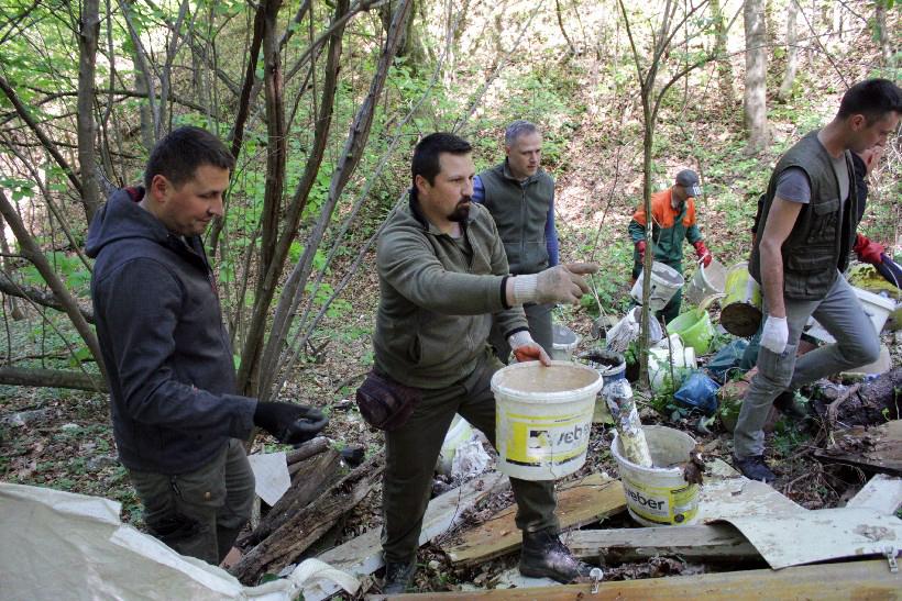 [FOTO/VIDEO] ZELENA ČISTKA U KOPRIVNICI Od smeća čistili područje šume iznad Vinice