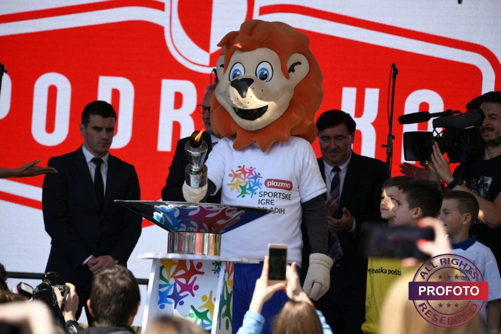[FOTO] Svečano otvorene 23. Plazma Sportske igre mladih // Više od 8.000 djece i mladih pretvorilo je Zagreb u centar amaterskog sporta Hrvatske