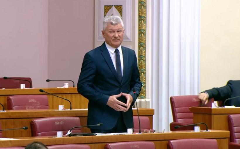 [VIDEO] Branko Hrg ministru Butkoviću: Pozivam Vladu da pronađe način očuvanja javno-linijskog autobusnog prijevoza