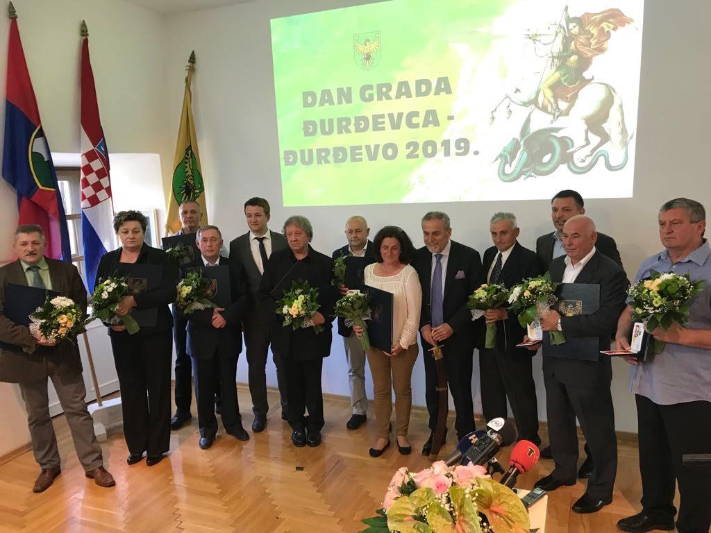 [FOTO/VIDEO] Svečana sjednica Gradskog vijeća Grada Đurđevca // Predsjednik vijeća Lacković: Od 264 odluka Vijeća čak 232 su donesene jednoglasno!