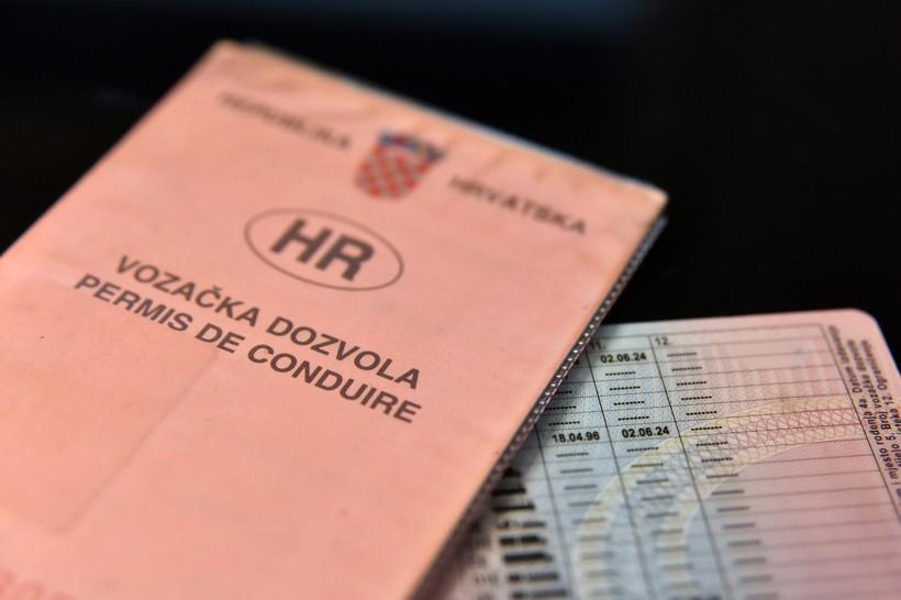 Papirnata uvjerenja o položenom vozačkom ispitu odlaze u povijest