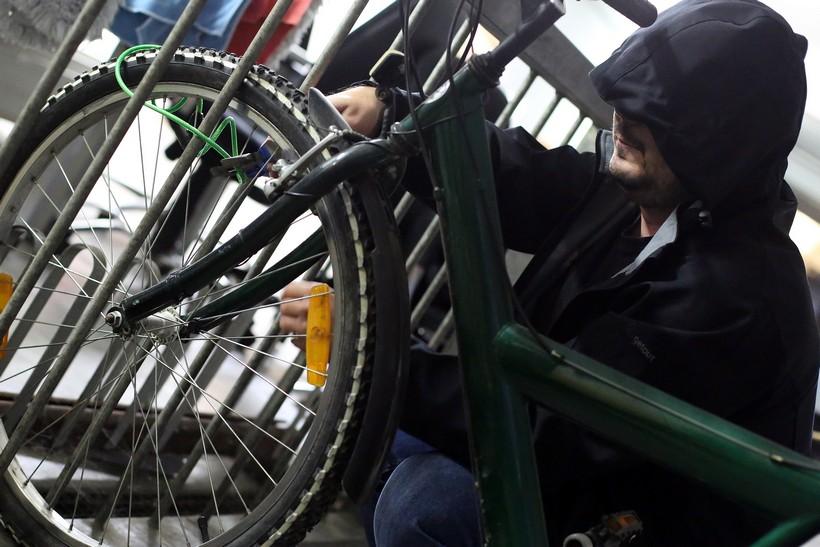 Iz dvorišta ukrao nezaključani bicikl