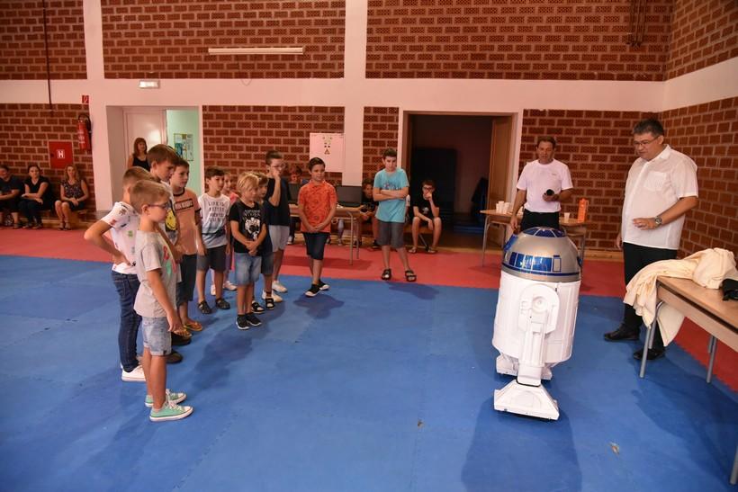 [FOTO] U Đurđevcu počela 4. po redu Ljetna škola programiranja i robotike
