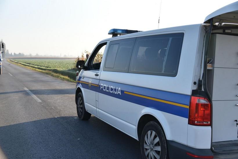 Mladić u BMW-u skrivio prometnu nesreću