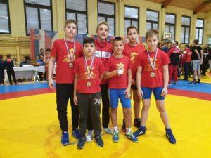 [FOTO] Hrvači Podravke iz Murske Sobote vratili se s čak četiri medalje