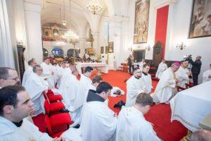 [FOTO] Misom zahvalnicom obilježili 10. obljetnicu ponovne uspostave Sisačke biskupije i đakonsko ređenje