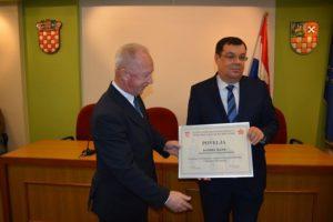 [FOTO] Županu Damiru Bajsu uručena Povelja Saveza antifašističkih boraca i antifašista Republike Hrvatske