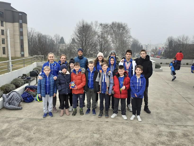 Žetva medalja Plivačkog kluba Cerine na Regionalnom prvenstvu Hrvatske