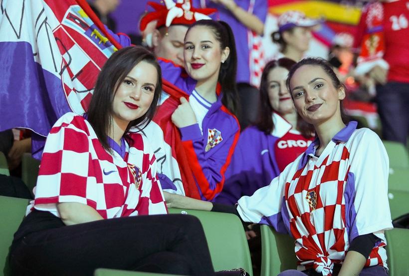 Prelijepe hrvatske navijačice!