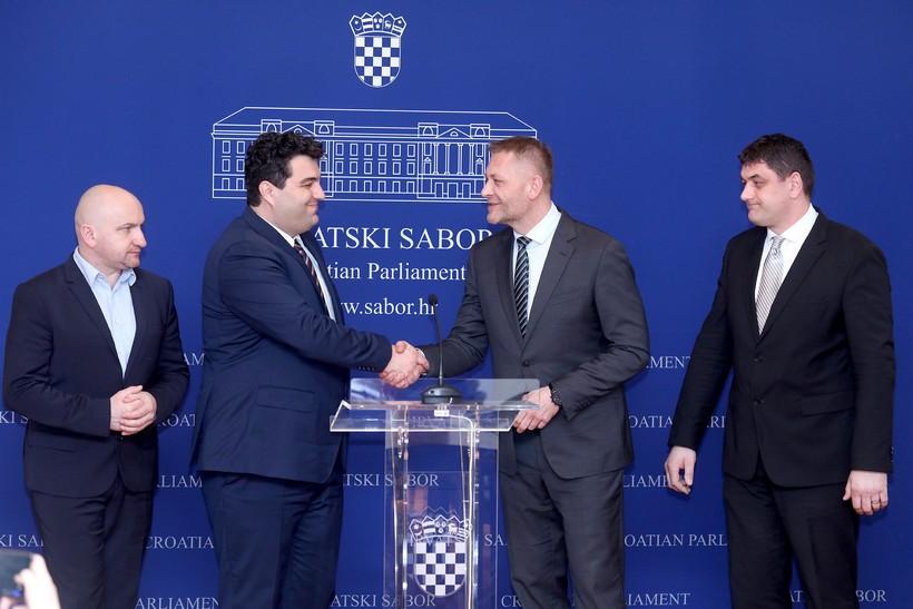 [VIDEO] Križevci ponovno imaju vodstvo grada iz HSS-a; u Saboru predstavljeni novi HSS-ovci Mario Rajn i Mario Martinčević