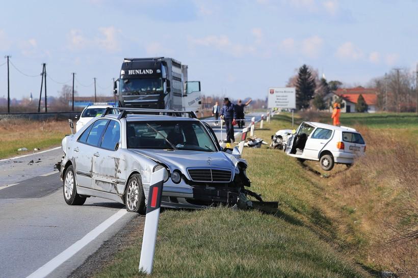 [VIDEO] Teška prometna na državnoj cesti; sudarila se dva osobna automobila; ima ozljeđenih
