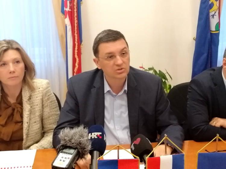 """PANIKE NEMA dr. Mato Devčić: """"Od sutra su zabranjene posjete u bolnicu, no neće biti odgoda operacija"""""""