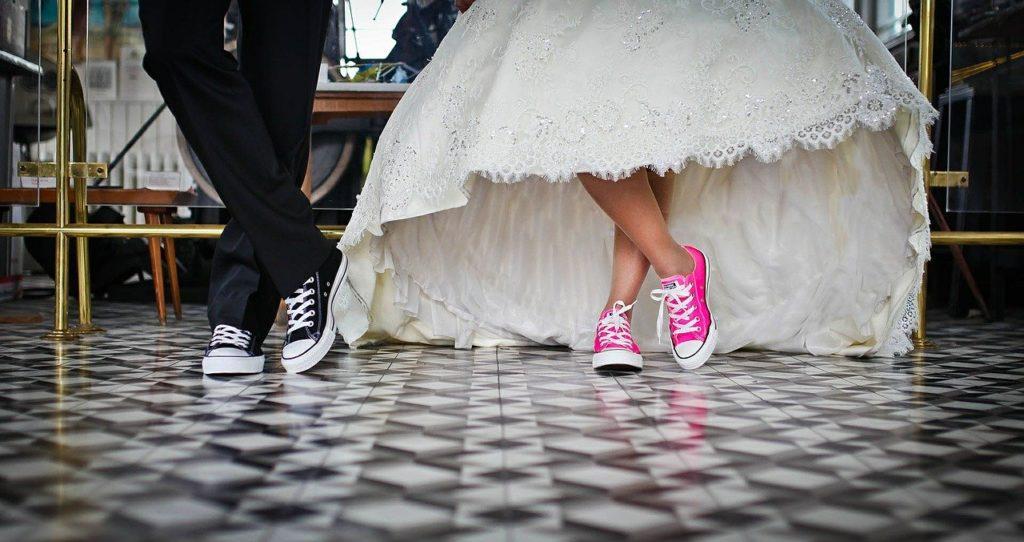 Vjenčanja, krštenja i ostale proslave odgađaju se do daljnjega, a rad ugostiteljskih objekata ograničava se do 20 sati