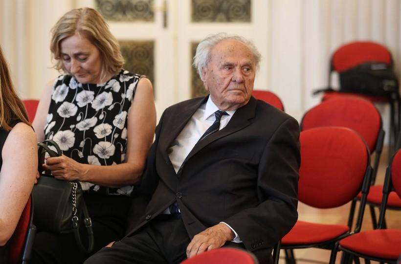 Manolić ususret 100. rođendanu: 'Osnivam izvanparlamentarni Klub…'