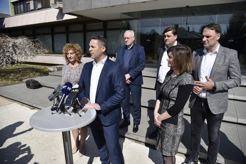 [VIDEO] Čelni čovjek Podravke Marin Pucar: Podravka ima dovoljno sirovina za proizvodnju u narednih pet mjeseci, žita imamo dovoljno za opskrbu cijele Hrvatske, a prodaja Lupoceta će u prva četiri mjeseca doseći godišnju razinu