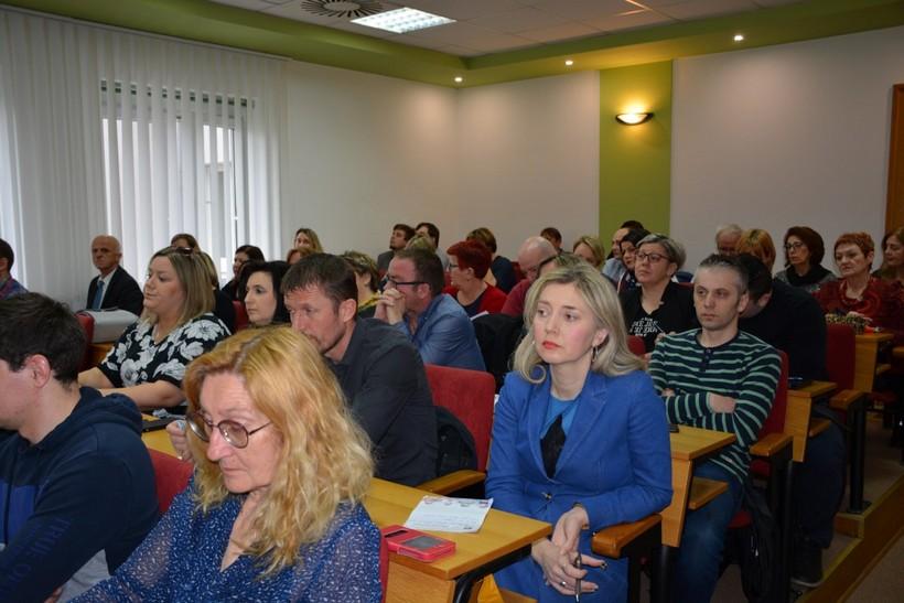 Župan Bajs sastao se s ravnateljima osnovnih i srednjih škola: 'Virtualne učionice bit će spremne'