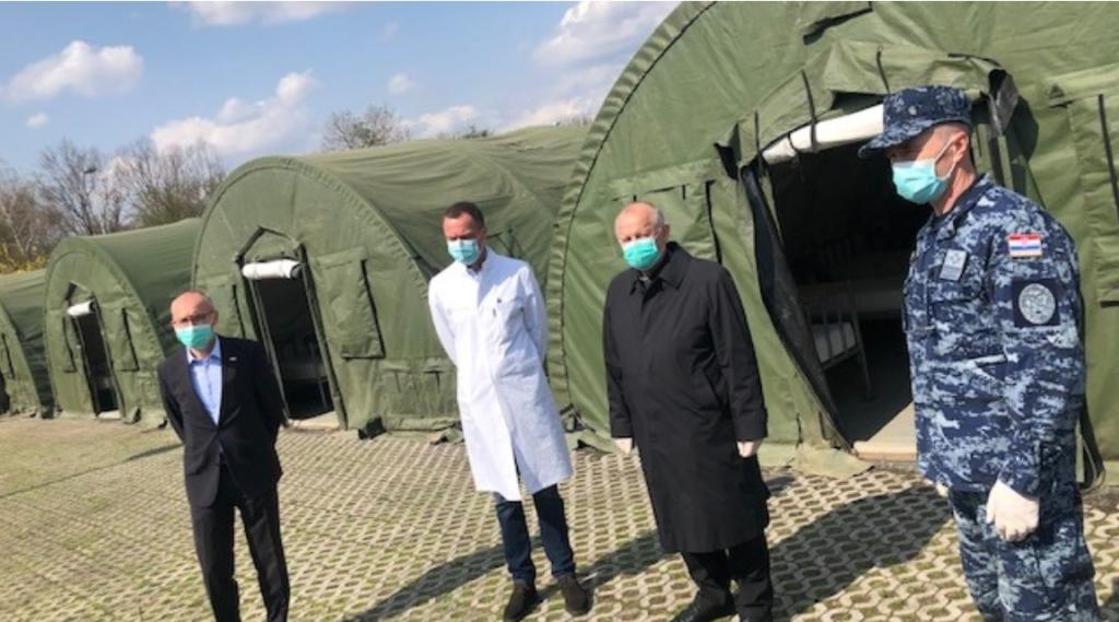 Biskup Bogdan obišao ekspedicijski kamp i šator ispred KB Dubrava