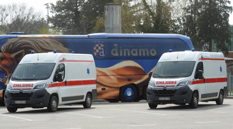 GNK Dinamo predao dva sanitetska vozila zdravstvenom sustavu