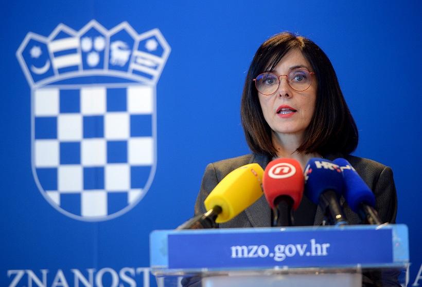 Ministrica Divjak: Ako netko od učenika objavi neprimjeren sadržaj ili vrijeđa druge učenike ili nastavnike, može dobiti ukor