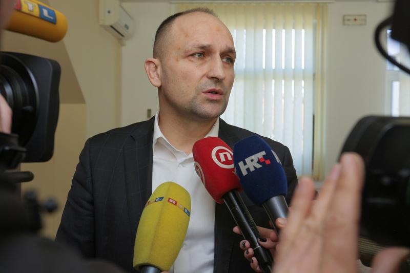 Osijek: Šest novih slučajeva koronavirusa, ukupno 32 // Župan Anušić: Da postoji žarište, onda bi danas imali 300 – 350 zaraženih, a ne 32 osobe