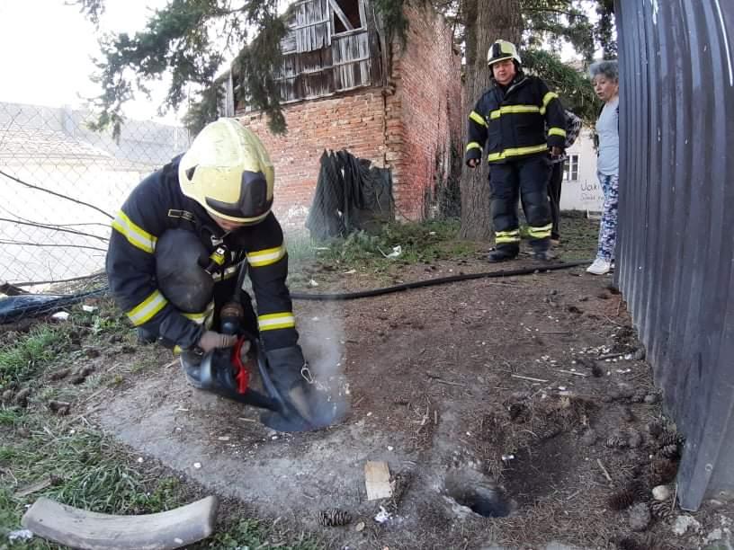 [FOTO] Zapalila se septička jama u središtu grada
