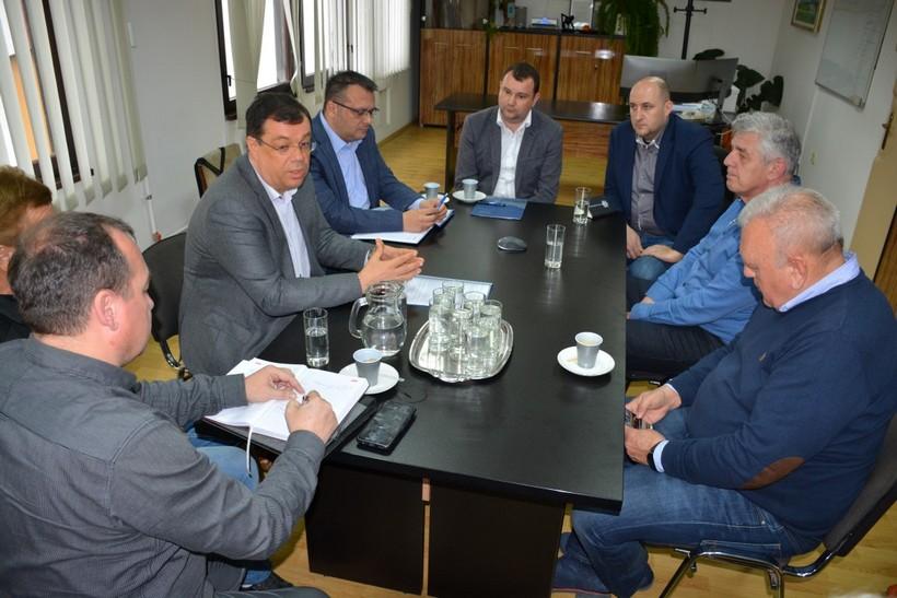 Župan Bajs održao sastanak s radnicima, upravom i sindikatom Vodoprivrede Daruvar: 'Postoji mogućnost mogućnost dokapitalizacije tvrtke'