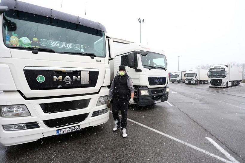 "Sindikat vozača upozorava da je sustav pred kolapsom: ""Odluka o karanteni je neodrživa, vozači su na rubu izdržljivosti"""
